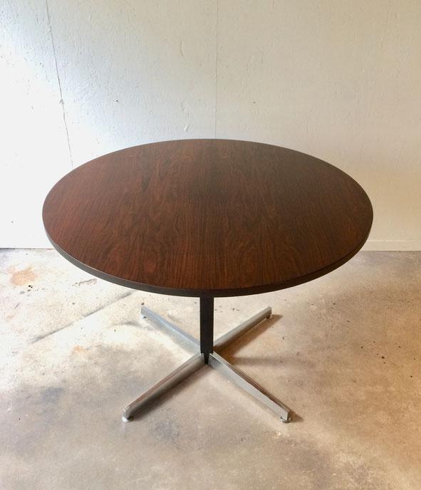 table monte-baisse, table vintage, table noyer, table ronde, table ajustable, table modulable, osvaldo borsani