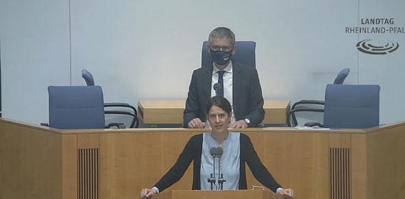 Quelle: Landtag von Rheinland-Pfalz. Klick auf das Bild führt zum Videomitschnitt.