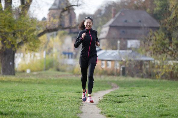 Laufbuch:  Laufen lieben lernen von Iris Hadbawnik