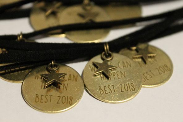pulseras personalizadas para eventos diecisietecosas