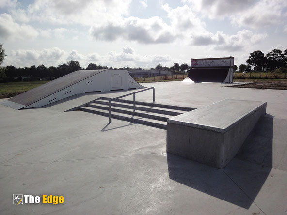 THE EDGE Skatepark design & Construction - Pleurtuit - skatepark béton et modules de skate