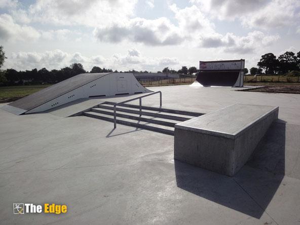 THE EDGE Skatepark design & Construction - Pleurtuit - skatepark béton et modules de skate