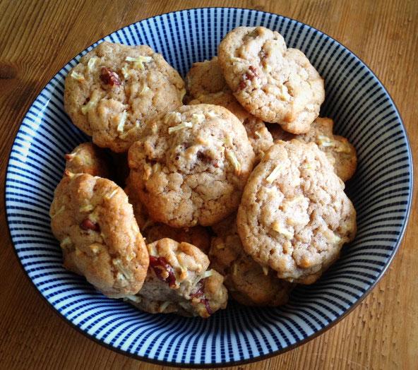 Appel/kaneel koekjes met pecannoten.