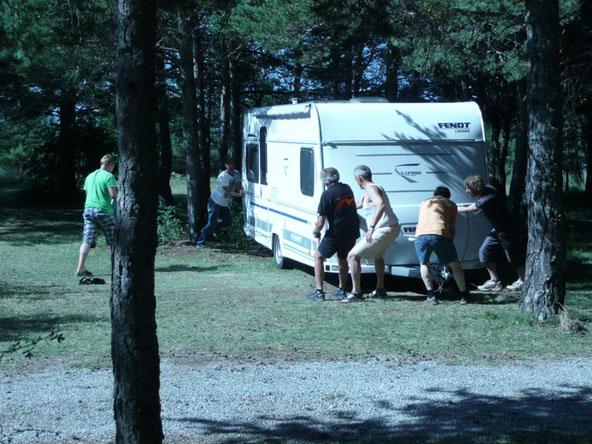 installation caravane camping du chevalet buech hautes alpes