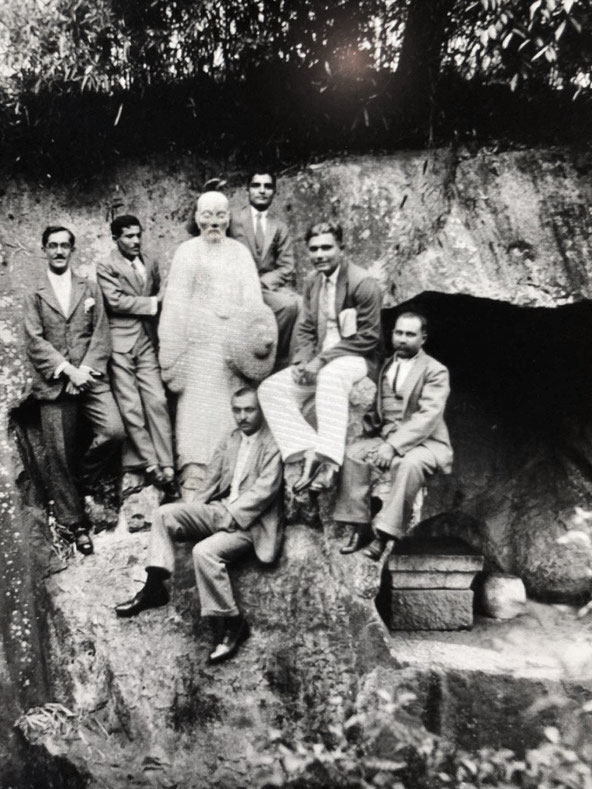 China, 1932 - Men mandali at the statue of Confusius and his cave