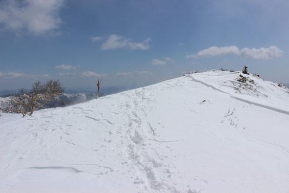 ユニ石狩岳の主稜線下り口