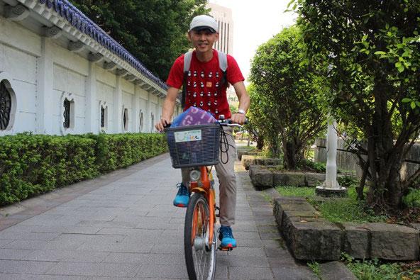 中世紀念堂とYou Bike