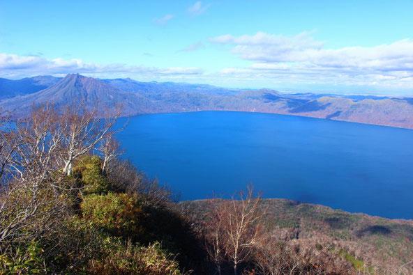 支笏湖と恵庭岳を風不死岳の山頂から
