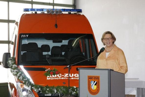 Die Landrätin Johanna Rumschöttel bei ihrem Grußwort an den ABC-Zug München-Land