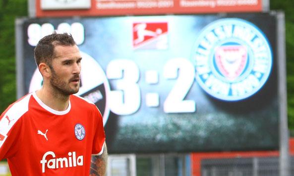 Dominik Schmidt total enttäuscht nach der Niederlage in Sandhausen - Foto: pin
