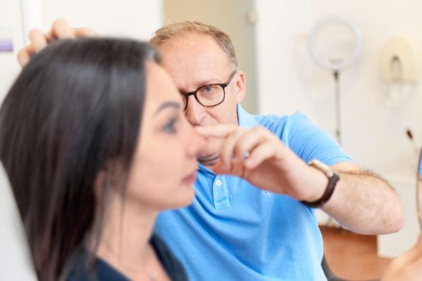 Beratung durch Nasenchirurgen Dr. Kovacevic vor einer Nasennachkorrektur