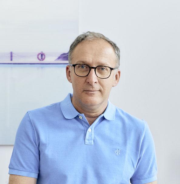 Dr. Milos Kovacevic - Facharzt für HNO Heilkunde, Nasenchirurgie in Hamburg