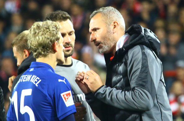 Traineranalyse mit van den Bergh und Kenneth  Kronholm. Fotos: pin