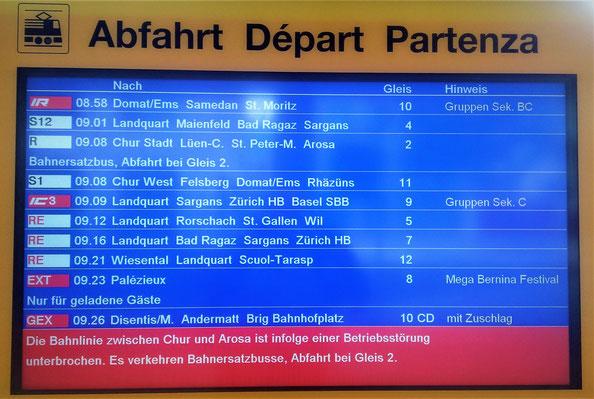 Die wohl seltene Zugsanzeige am Bahnhof Chur von Thomas Wyss