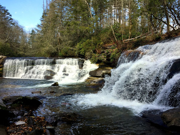 Balsam Grove, NC; Living Waters Ministry: French Broad Falls und Mill Shoal Falls