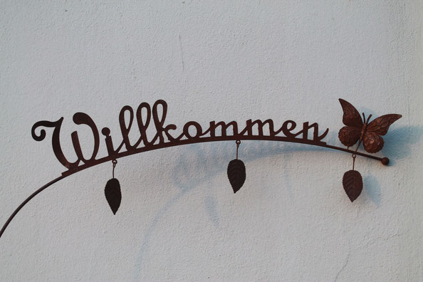 "Dekoartikel"" Willkommen"" imBlumenladen / Blumengeschäft ""Blumenstube am Schloß"""