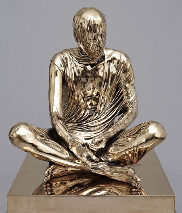 2012. TEMPORAL SITTER : Bronze patiné.   165x74x76 cm   Edition de 4