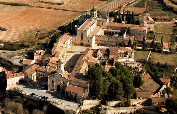 Монастырь Сантес Креус Каталония