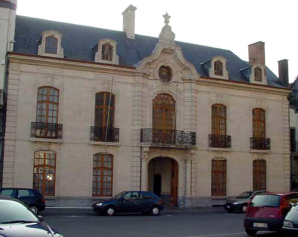 Hôtel sis à Namur Place Saint Aubain,