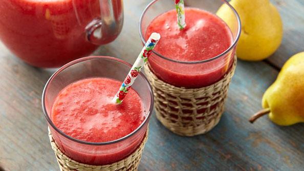 Jugo de frambuesa, pera y fresa