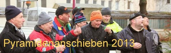Bild: Wünschendorf Chronik 2013Wünschendorf Pyramidenanschieben