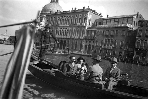 MSI Collection : Venice, Italy - Enid is seated next to Baba, Kaka Baria & Adi K Irani are also seated.