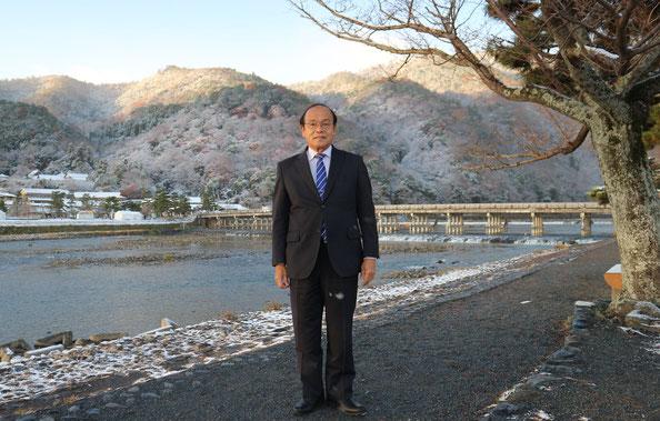雪の京都嵐山の早朝 京都観光タクシー 英語案内 通訳士 永田信明です。