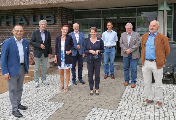 Grigorios Aggelidis (MdB), Thomas Siekermann, Christiane Hinze, Klaus Nagel, Bettina Conradi (Erste Stadträtin der Stadt Sehnde), Jonas Renz (Vorsitzender FDP Sehnde und FDP-Ratsherr Sehnde), Olaf Kruse (Bürgermeister Stadt Sehnde, SPD), Gerhard Kier