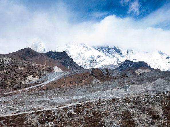 Hier wäre eigentlich Nuptse und Lhote zu sehen gewesen - naja, den unteren Teil sieht man zumindest, die Gipfel müsst ihr euch vorstellen