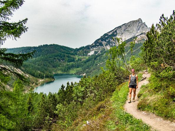 6-Seen-Wanderung im Salzkammergut - dem größten Seenhochplateau in Mitteleuropa. Hier zu sehen - der Steirersee.