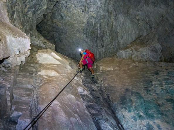 Viele Klettersteige gibt es nicht, bei denen man im Berg weiter klettern kann.
