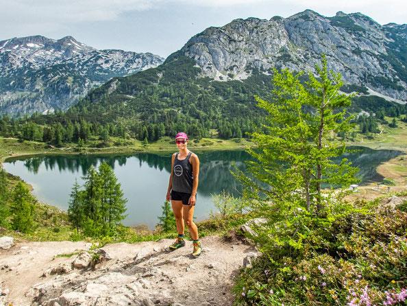 6-Seen-Wanderung im Salzkammergut - dem größten Seenhochplateau in Mitteleuropa. Hier zu sehen, der Großsee.