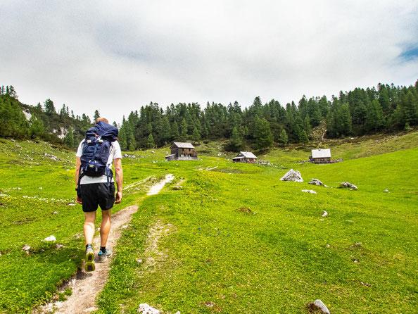 6-Seen-Wanderung im Salzkammergut - dem größten Seenhochplateau in Mitteleuropa. Ankunft bei der Leistalm.