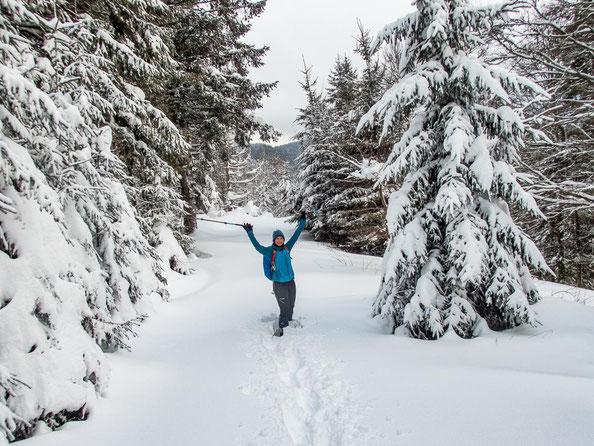 Wir setzen die Spuren in den Schnee, so alleine waren wir.