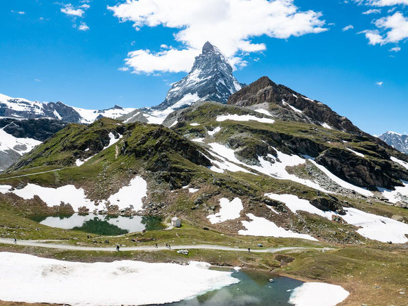 Schon aus dieser Perspektive ist das Matterhorn wirklich imposant. Wartet aber mal ab, bis wir näher dran stehen.