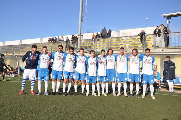 Nella foto il primo gol in campionato dell'attaccante Eban Stella
