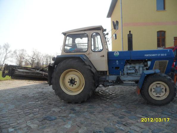 ZT 303 D Bj 82