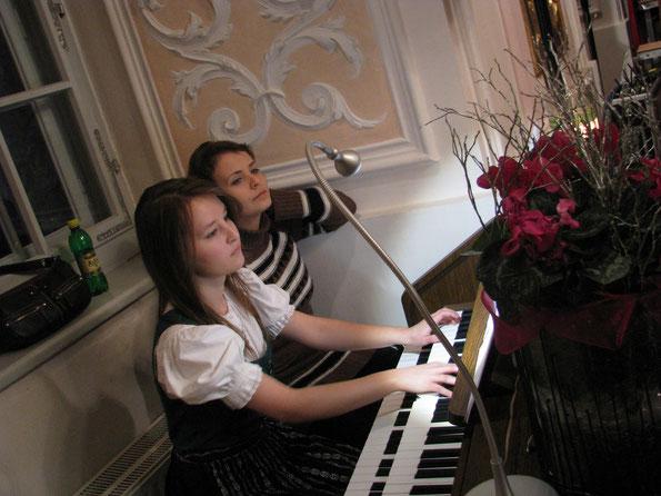 Viktoria Takacs, Orgel