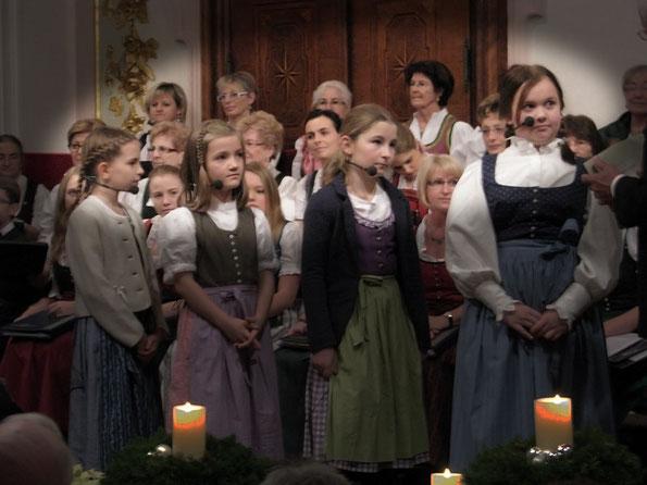 Die Hirten: Claudia Feldbauer, Amelie Gerner, Jara Pilsbacher, Lea Sapp