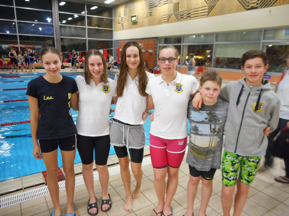 BSC-Schwimmer in Achim: v.l. Lea, Isabelle, Luisa, Chantal, Willy und Frederik