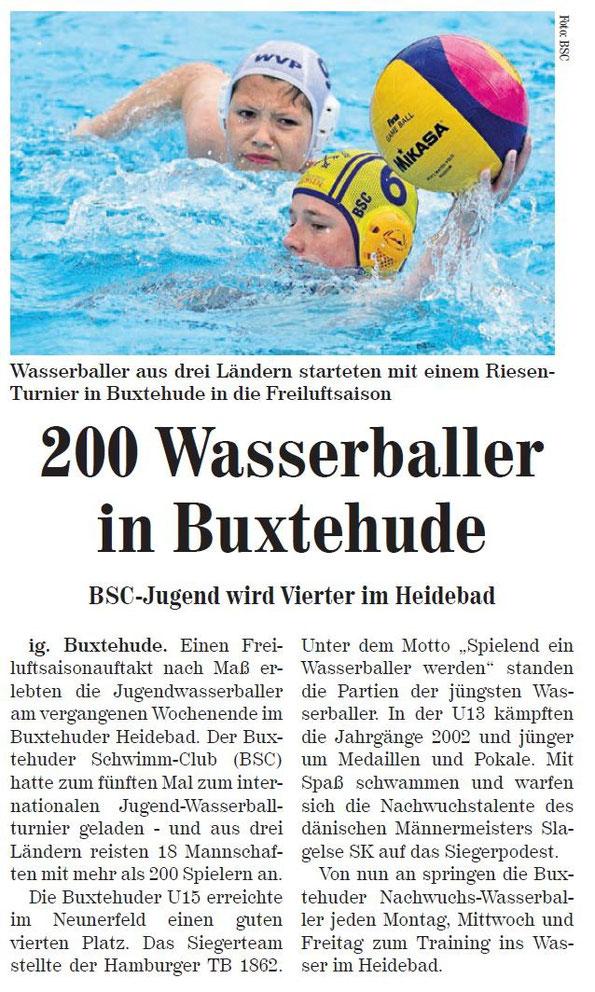 Neue Buxtehuder Wochenblatt vom 16.05.2015: Wasserballer aus drei Ländern starteten mit einem Riesen-Turnier in Buxtehude in die Freiluftsaison