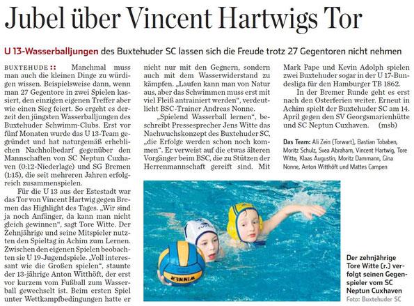 Hamburger Abendblatt vom 18.03.2013 - Jubel über Vincent Hartwigs Tor, Buxtehude Wasserball