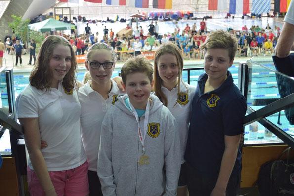 BSC-Schwimmer am Sonntag in Hannover: (v.l.) Isabelle und Chantal Kasch, Willy Fieger, Lina und Vincent Hartwig