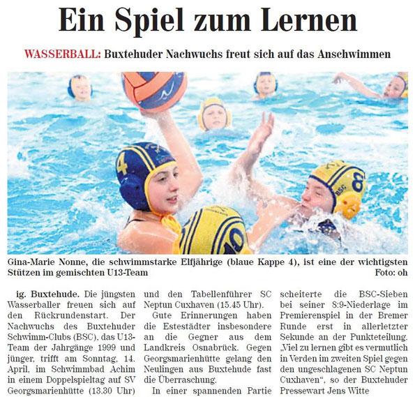 Neue Buxtehuder Wochenblatt vom 10.04.2013, Gina-Marie Nonne, die schwimmstarke Elfjährige (blaue Kappe 4), ist eine der wichtigsten Stützen im gemischten U13-Team