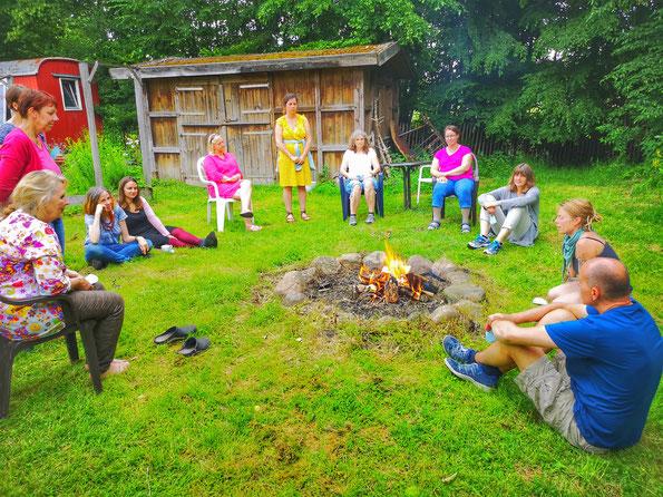 Unterricht am Feuer Gärtnerhof am Stüffel www.kraeuter-entdecken.de