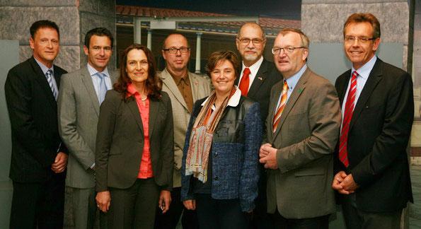 Diskussionsteilnehmer u.a. mit Prof. Sonja Sackmann (3.v.l)