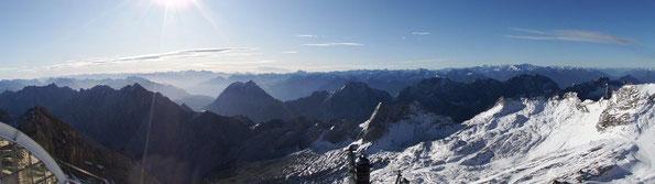 Blick von der Zugspitze am 14.10.2019 (Foto: W. Roth)