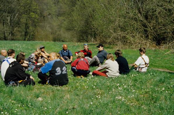 Feedback mit Teilnehmern unseres Kletterkurses im Steinicht (Elstertal)