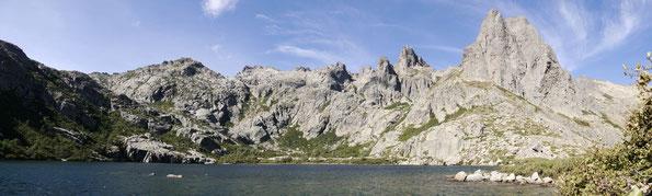 Lac de Melo (korsisch Lavu di Melu) im Restonica-Tal / Korsika