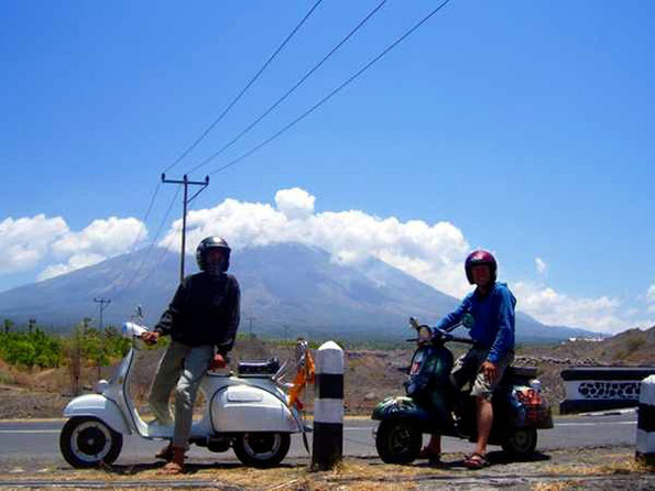 Vespas with mt agung